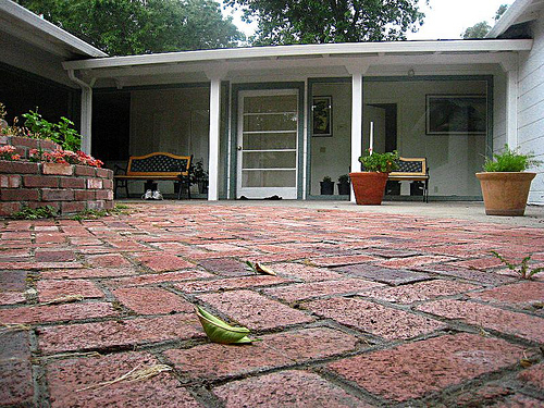 brick courtyard at Casa420